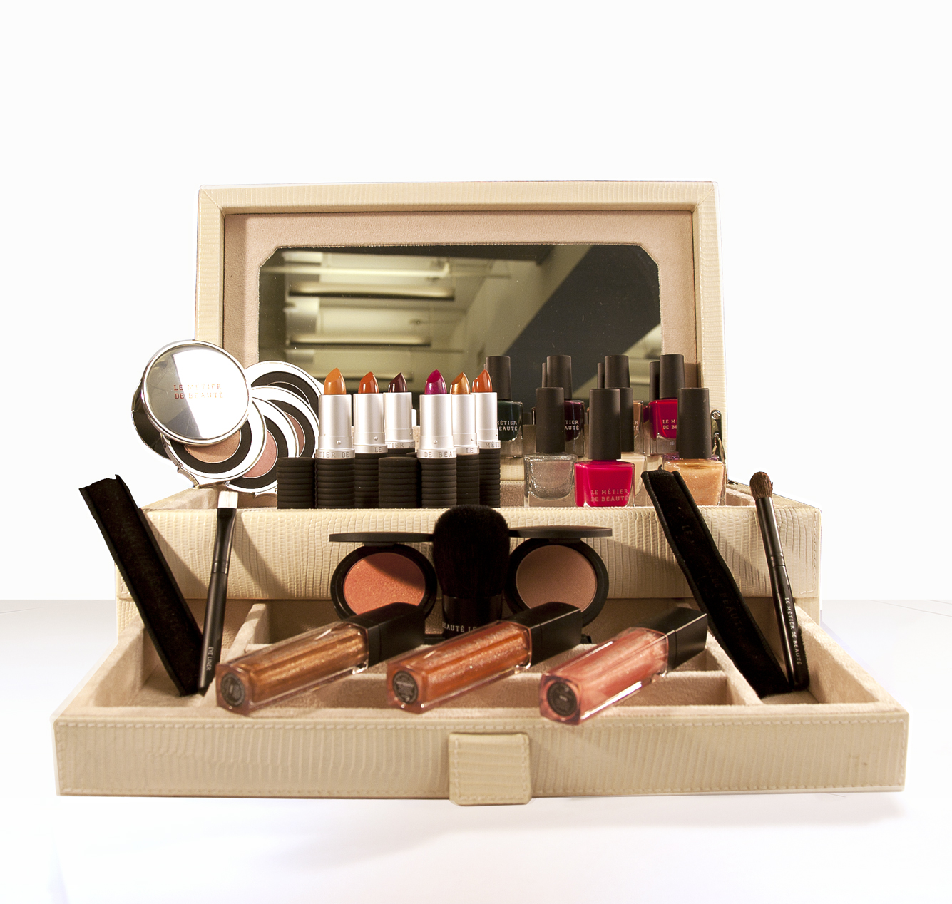 New Beauty Contest – Sign Up to Win by Le Metier De Beaute – March 5th – March 15th